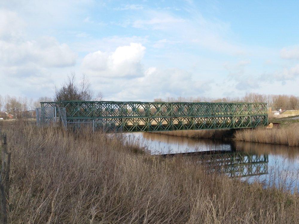 Vervallen brug over het Peizerdiep.