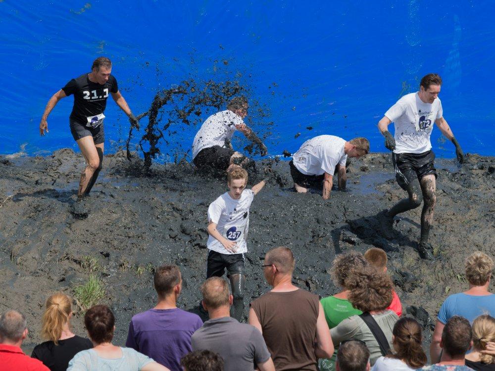 ... in de modder. (foto: Geert van Duinen)