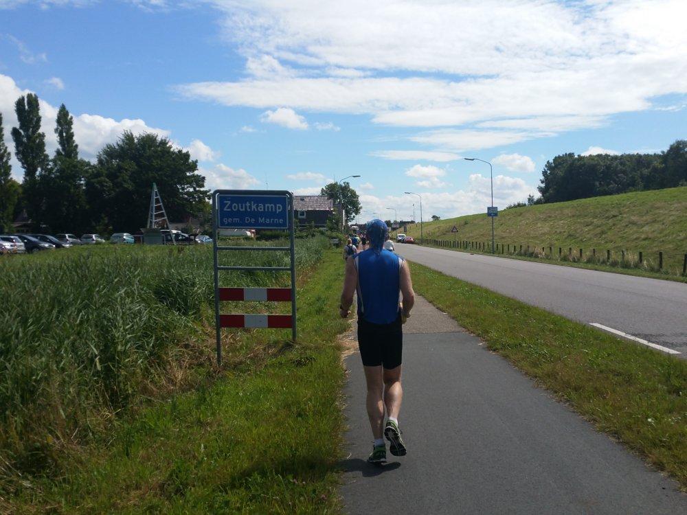 We lopen Zoutkamp binnen.
