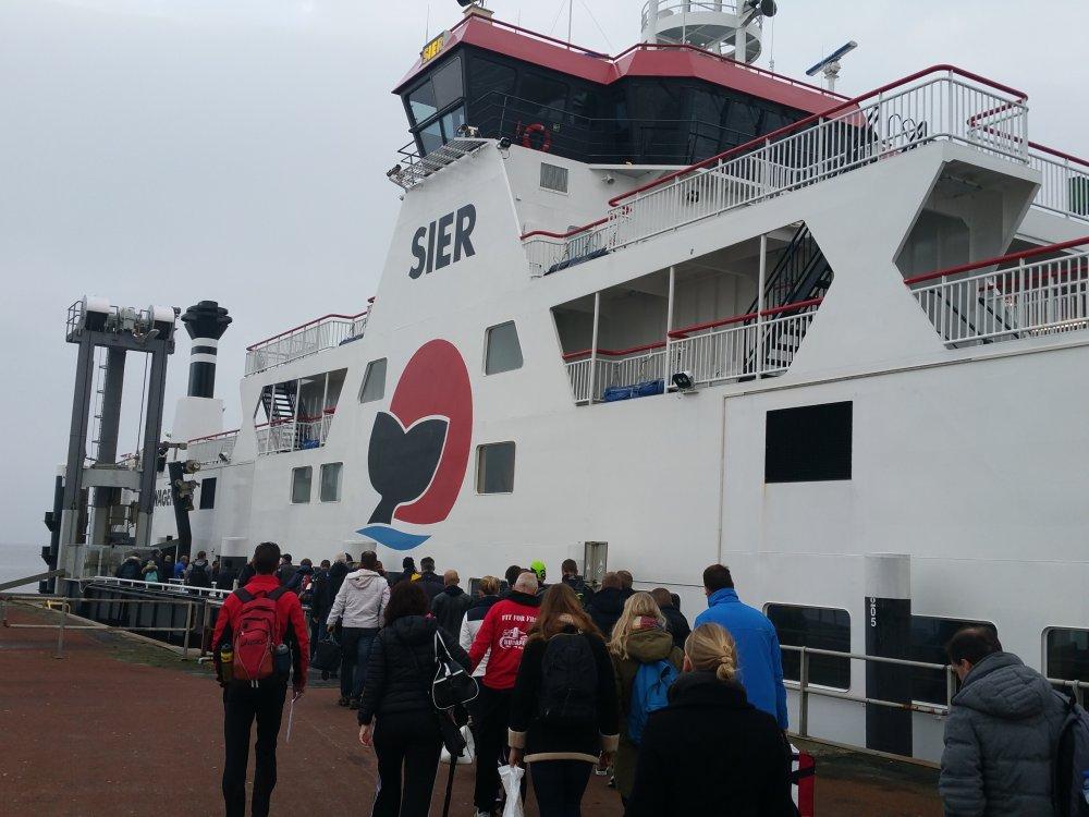 We stappen aan boord van de Sier.